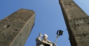 torre degli asinelli a Bologna