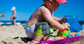 Al mare con i bambini: cosa fare e cosa non fare